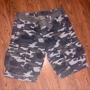 Men's grey Levi's cargo shorts like new